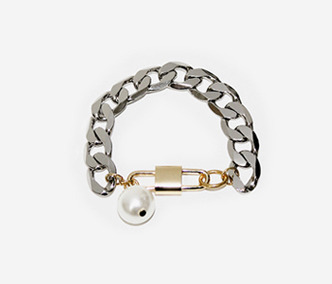 [Monday Edition] Big Pearl and Chain Bracelet (50%off)