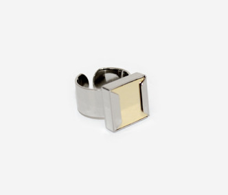 [Monday Edition] Square Metal Ring (50%off)