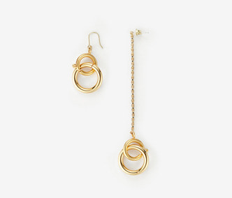 Linked Circles Unbalanced Earrings