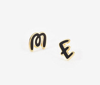 [ME x Chocomoo] Witty initial ME earrings