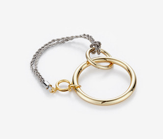 [Monday Edition] Linked Circle Bracelet