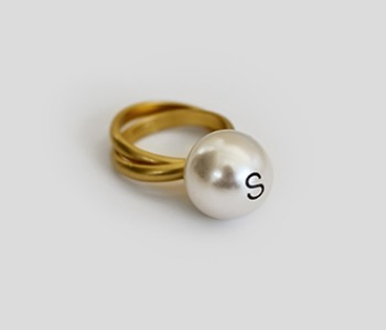 The Helvetica Big Pearl Ring